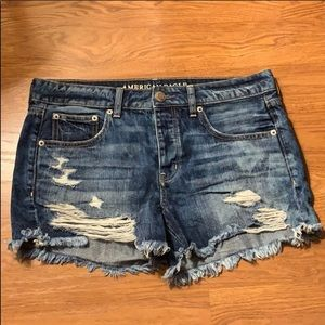 Distressed American Eagle short size 6